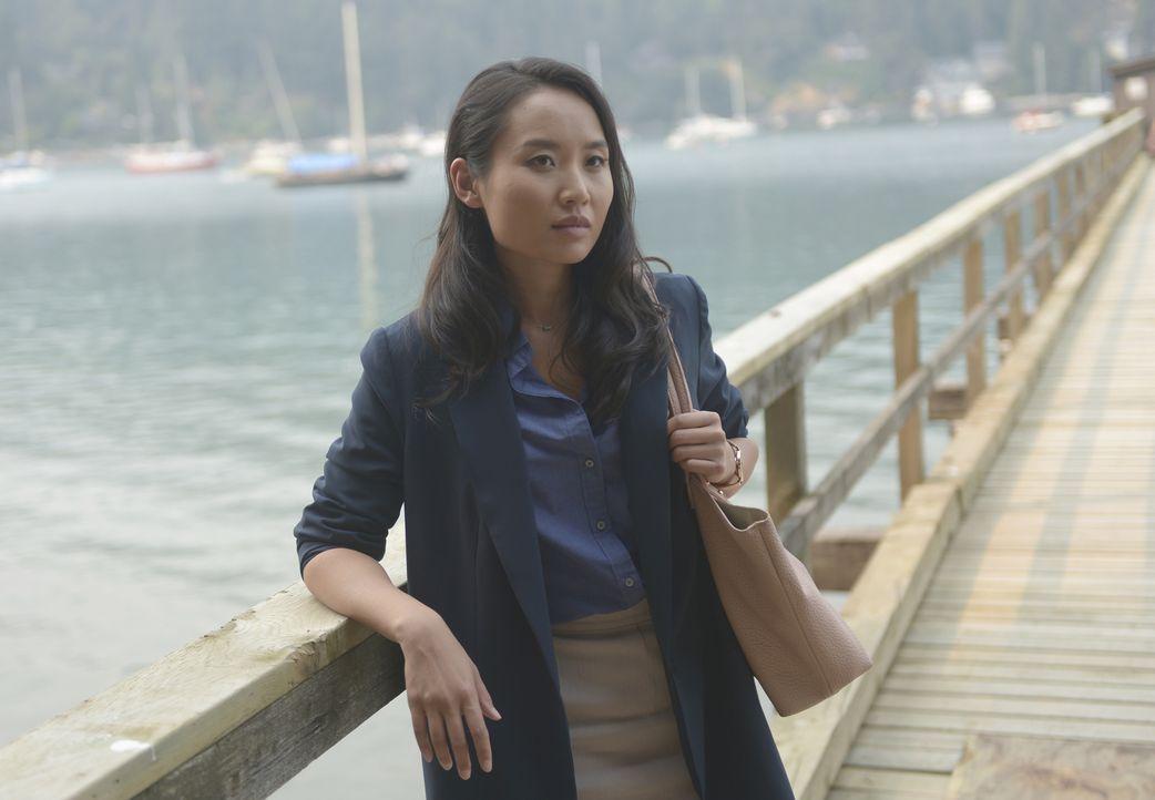 Die Sozialarbeiterin Rose Cooper (Li Jun Li) stattet Andrew Kim und dessen Pflegekindern einen Besuch ab, um zu überprüfen, ob er weiterhin seine Li... - Bildquelle: 2017 Fox and its related entities.  All rights reserved.