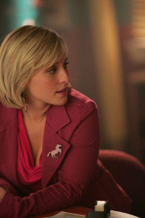 Als er droht Chloe (Allison Mack) umzubringen, suchen Chloe und Clark nach einem Weg, Mikail das Handwerk zu legen ... - Bildquelle: Warner Bros.