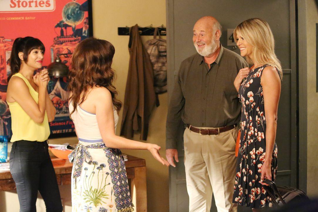 Cece (Hannah Simone, l.) und Jess (Zooey Deschanel, 2.v.l.) sind geschockt, als Jess' Vater Bob (Rob Reiner, 2.v.r.) ausgerechnet mit Ashley (Kaitli... - Bildquelle: 2014 Twentieth Century Fox Film Corporation. All rights reserved.