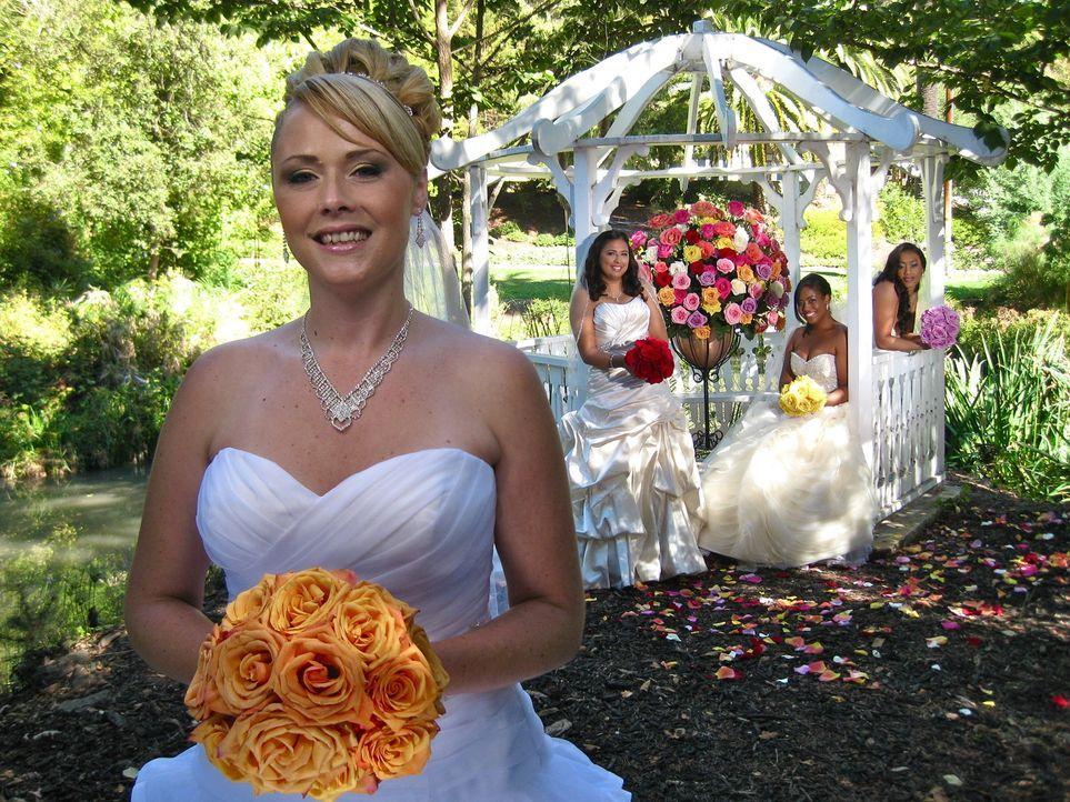 Kann Christa (l.) die anderen Bräute Araceli (2.v.l.), Kale (2.v.r.) und Jennifer (r.) mit ihrer Hochzeit überzeugen? - Bildquelle: Richard Vagg DCL
