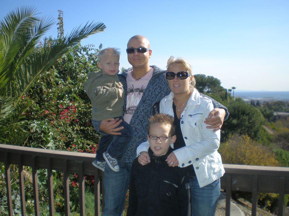 Jan (27) und Michelle (25) Biller wollen mit ihren beiden Kindern, Justin (9) und Julien (2), von Bottrop nach L. A. auswandern. - Bildquelle: kabel eins