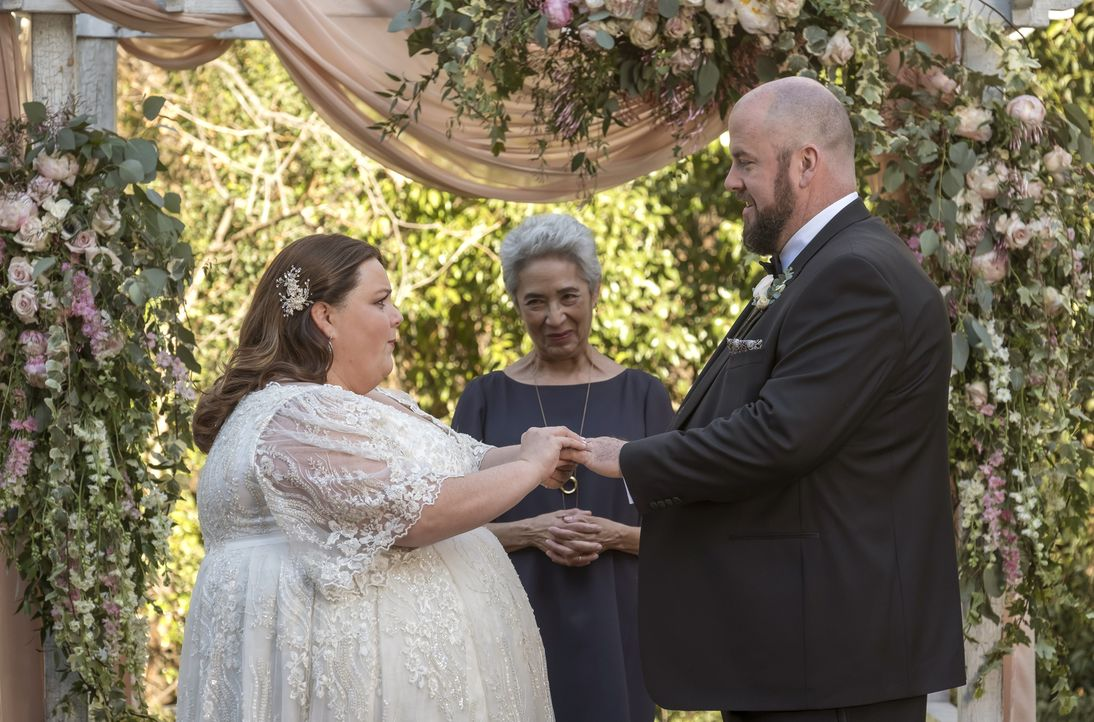 Kate (Chrissy Metz); Toby (Chris Sullivan) - Bildquelle: Ron Batzdorff 2017-2018 NBCUniversal Media, LLC.  All rights reserved.