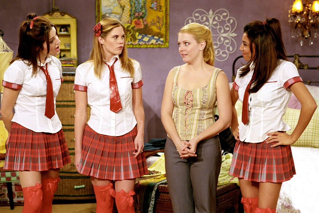 Sabrina (Melissa Joan Hart, 2.v.r.) hat Morgan das Leben gerettet und damit den drei Schicksalsgöttinnen Fate Mackenzie (Sophia Bush, l.), Fate Ash... - Bildquelle: Paramount Pictures