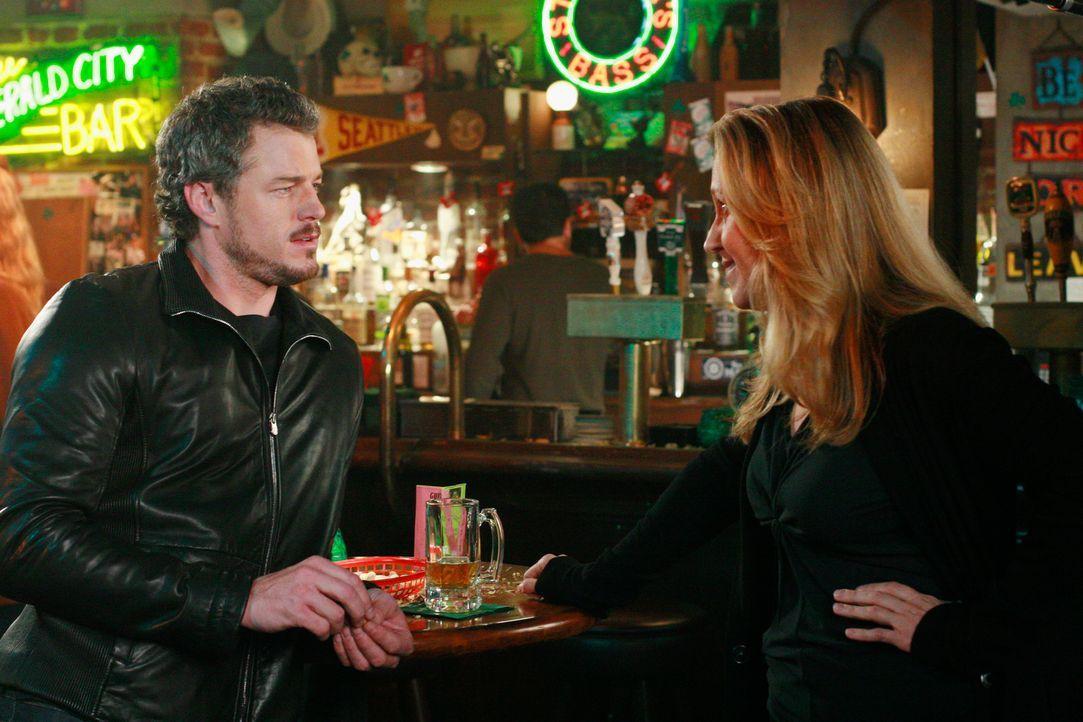 Bei einem Abend in einer Bar macht Dr. Hahn (Brooke Smith, r.) macht Mark (Eric Dane, l.) klar, dass sie nicht an ihm interessiert ist ... - Bildquelle: Touchstone Television