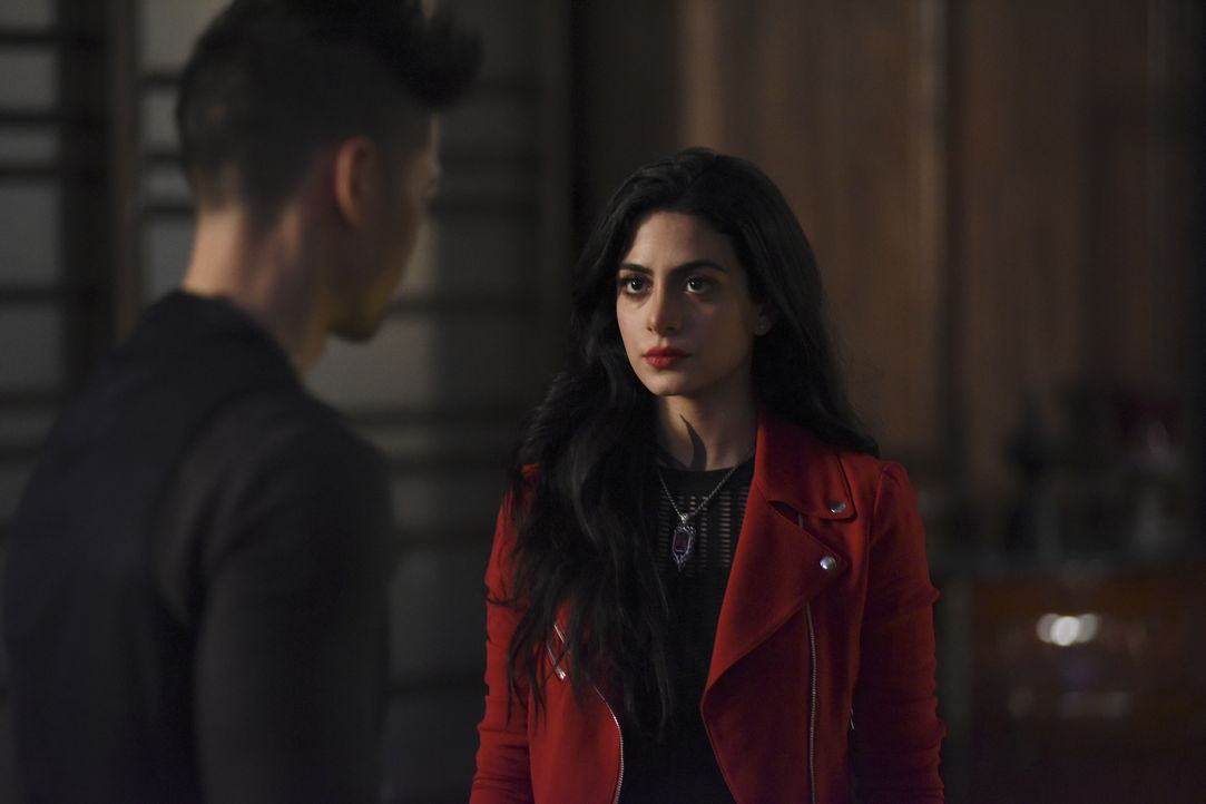 Isabelle Lightwood (Emeraude Toubia) - Bildquelle: John Medland 2016 Disney Enterprises, Inc. All rights reserved. / John Medland