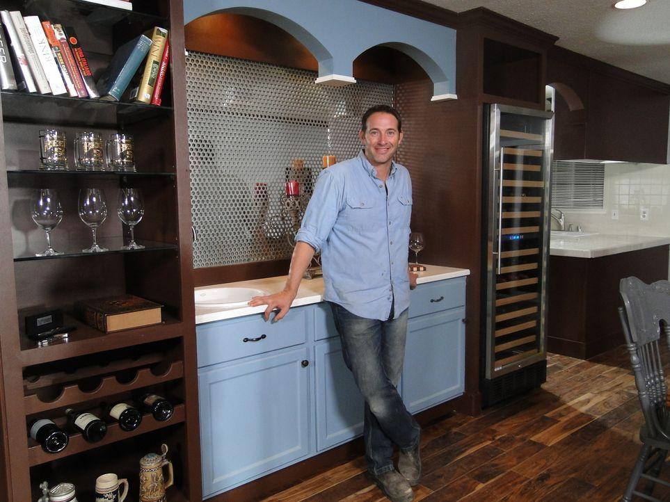 Eine neue Herausforderung für Josh Temple (Foto): Das Haus von Ryan Bailey muss dringend renoviert werden. Ob Josh auch hier den Geschmack des Haush... - Bildquelle: 2012, DIY Network/Scripps Networks, LLC. All Rights Reserved.