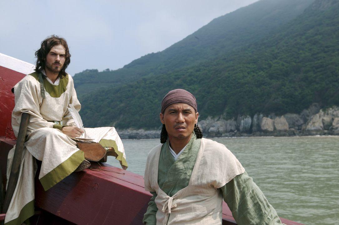 Marco Polo (Ian Somerhalder, l.) und sein Vertrauter Pedro (B.D. Wong, r.) sind fasziniert von der fremden Welt. - Bildquelle: 2006 RHI Entertainment Distribution, LLC