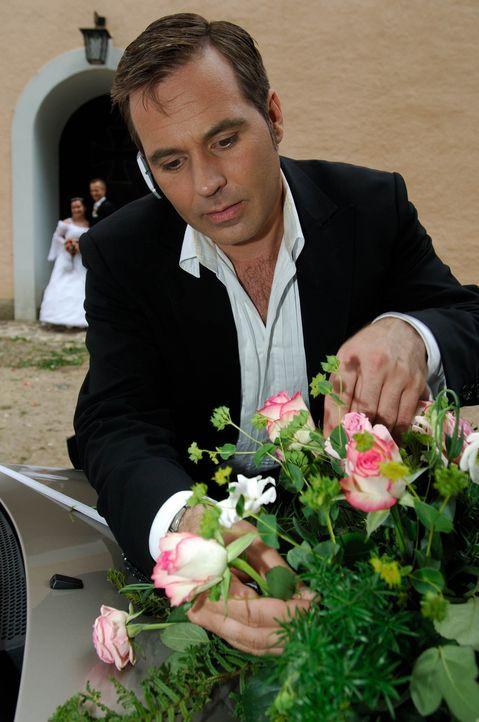 Frank Matthée ist der Weddingplaner. Er begleitet Paare auf ihrem Weg vor den Altar - von der Regelung der Formalitäten über die Location-Suche und... - Bildquelle: Stefan Menne ProSieben