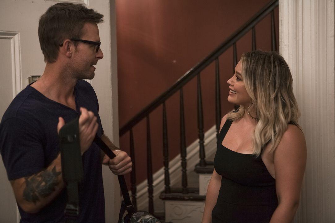 Colin (Jay Wilkison, l.); Kelsey (Hilary Duff, r.) - Bildquelle: Hudson Street Productions Inc 2016