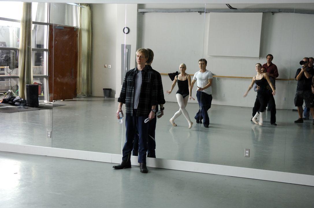 """Der Ballett-Lehrer Cooper Nielson (Ethan Stiefel) von der renommierten """"American Ballet Academy"""" fordert seinen Schützlingen ziemlich viel ab: Suza... - Bildquelle: Copyright   2008 Stage 6 Films, Inc. All Rights Reserved."""