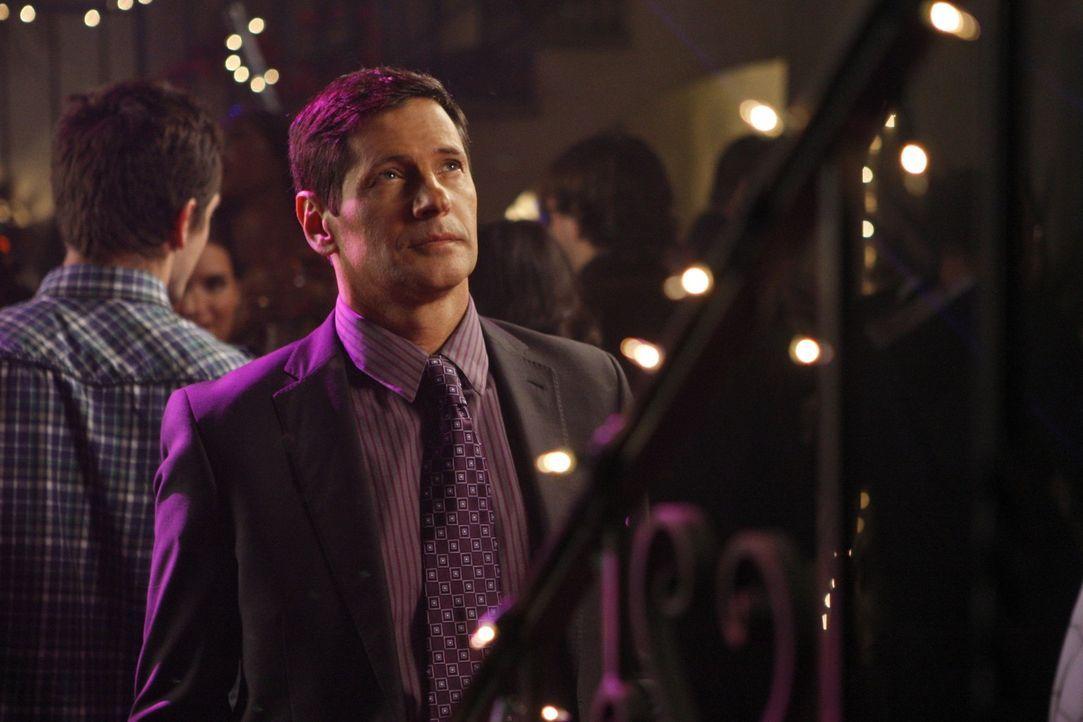 Der hasserfüllte Michael (Thomas Calabro) will seinen Sohn David am Boden sehen und normalerweise bekommt er, was er will... - Bildquelle: 2009 The CW Network, LLC. All rights reserved.