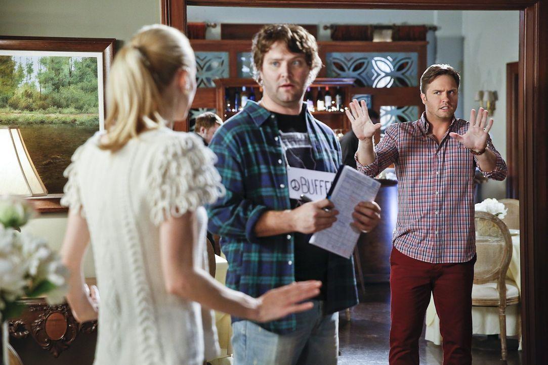 Lemon (Jaime King, l.) muss mit George (Scott Porter, r.) zusammenarbeiten, um ihre Geschäftsidee zu verwirklichen, doch die Situation eskaliert. Se... - Bildquelle: Warner Brothers