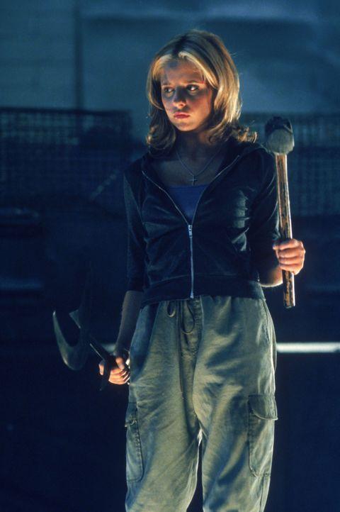 Buffy (Sarah Michelle Gellar) ist für den Kampf gegen die Dämonen gerüstet. - Bildquelle: TM +   2000 Twentieth Century Fox Film Corporation. All Rights Reserved.