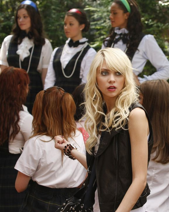 """Doch die Schülerinnen wollen """"eine Königin, eine Hierarchie, und keine Brooklyn- Möchtegerns"""" - arme kleine J! - Bildquelle: Warner Brothers"""