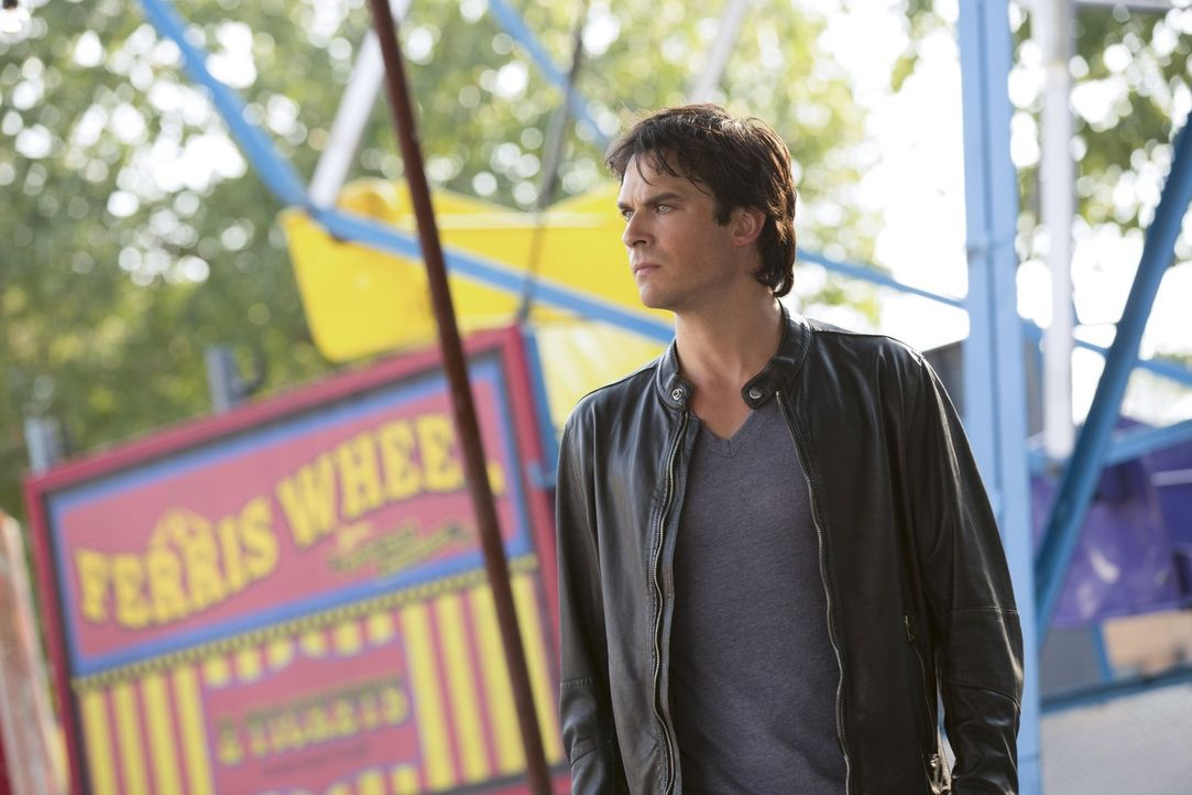 Ist Damon (Ian Somerhalder) bereits zu tief in den Fängen der Sirenen und ihrem Anführer, um noch gerettet zu werden? - Bildquelle: Warner Bros. Entertainment, Inc.