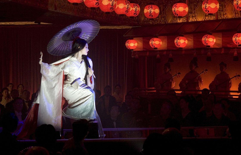 Eine märchenhafte Karriere: Aus der kleinen Fischertochter Chiyo (Ziyi Zhang) wird eine der berühmtesten Geishas Japans - nach einem harten und st... - Bildquelle: 2005 Sony Pictures Television International.