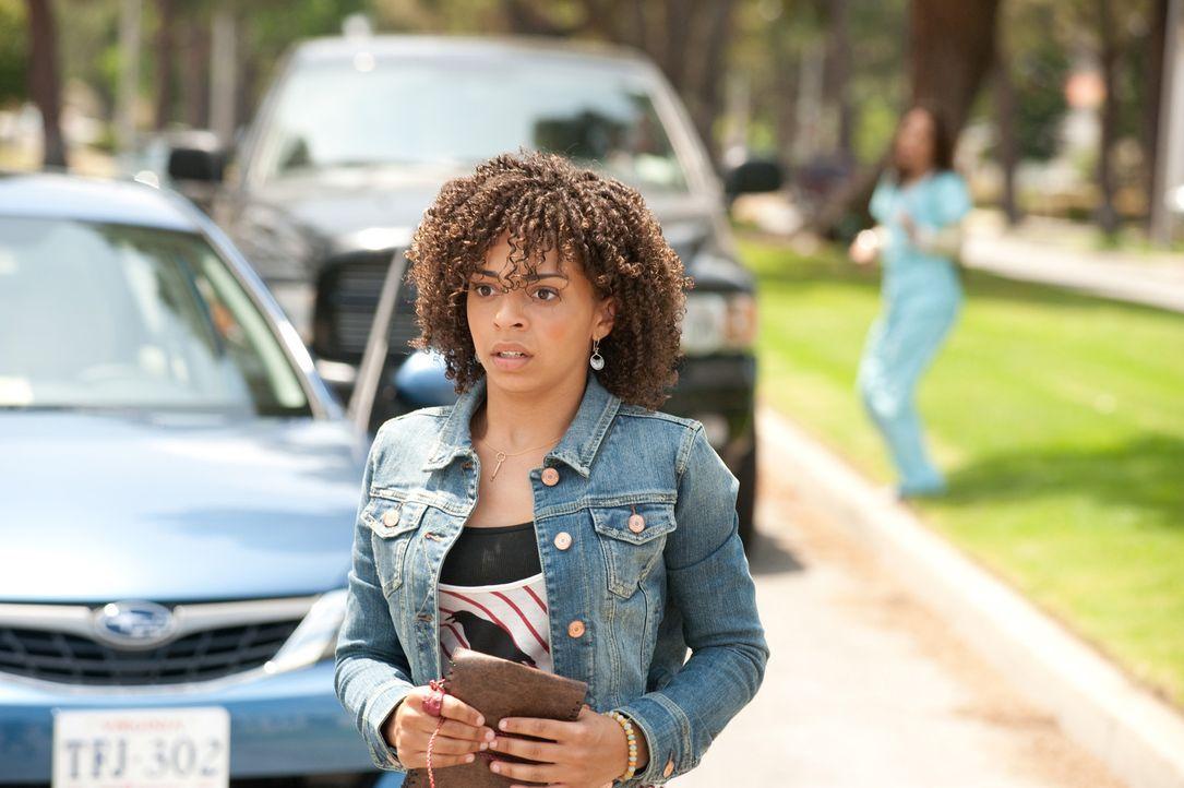 Kelly erteilt Camille (Hannah Hodson) eine Fahrstunde, die sich als wahrer Horrortrip entpuppt ... - Bildquelle: Sony 2009 CPT Holdings, Inc. All Rights Reserved