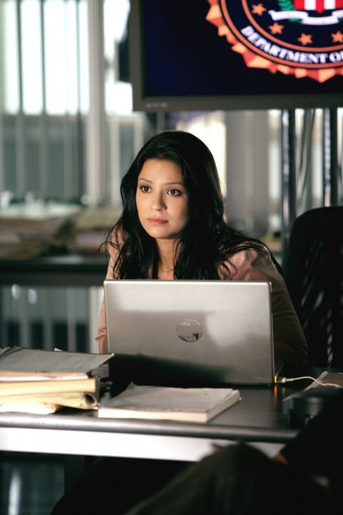 Recherchiert in einem neuen Fall: Amita (Navi Rawat) ... - Bildquelle: CBS International Television