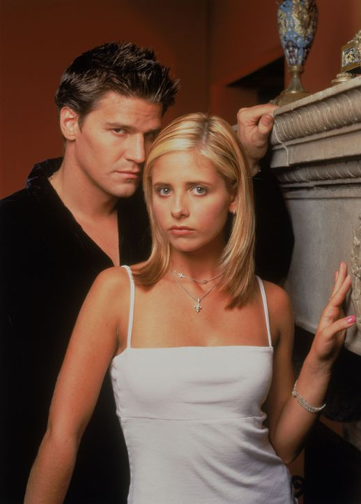 (3. Staffel) - Hat ihre Liebe eine Chance? Buffy (Sarah Michelle Gellar, r.) und Angel (David Boreanaz, l.) - Bildquelle: (1999) Twentieth Century Fox Film Corporation.