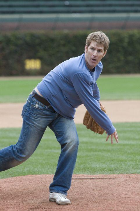 Beim Baseballspiel ist Mike (Jamie Kaler) mit Leib und Seele dabei ... - Bildquelle: 2006 Sony Pictures Television Inc. All Rights Reserved.