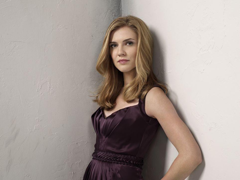 (2. Staffel) - Bekommt von all den paranormalen Aktivitäten und Kreaturen rund um Mystic Falls nichts mit: Jenna Sommers (Sara Canning)... - Bildquelle: Warner Brothers