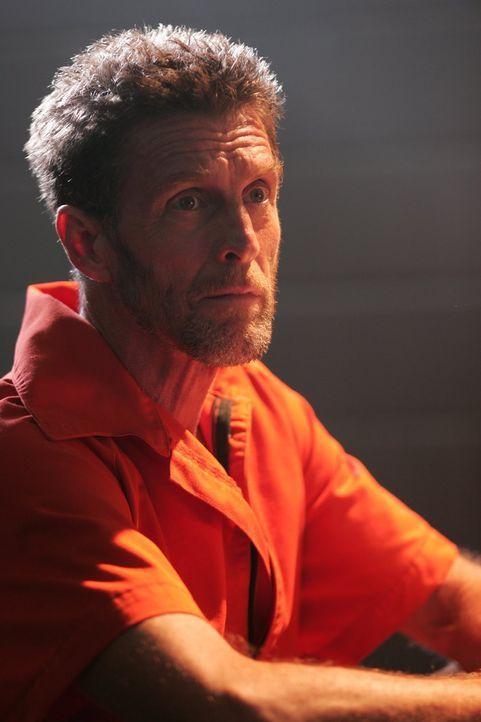 Wird ausgerechnet Lionel (John Glover), der selbst im Gefängnis sitzt, dabei helfen können, Lex` Unschuld zu beweisen? - Bildquelle: Warner Bros.
