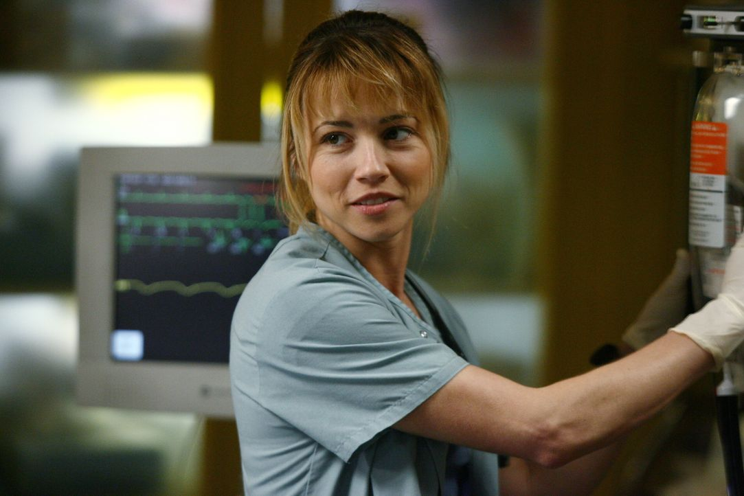 Fleißig bei der Arbeit: Sam (Linda Cardellini) ... - Bildquelle: Warner Bros. Television