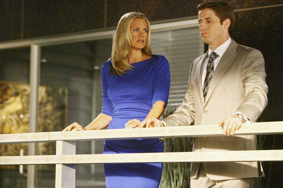 Taylor (Natasha Henstridge, l.) versucht Matt (Sam Jaeger, r.) zu erklären, was sie für ihn fühlt ... - Bildquelle: Disney - ABC International Television