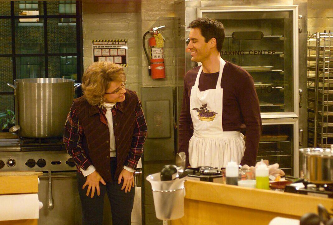 Noch ahnt Will (Eric McCormck, r.) nicht, was Ann (Tracey Ullman, l.), die den Kurs veranstaltet, getan hat ... - Bildquelle: NBC Productions