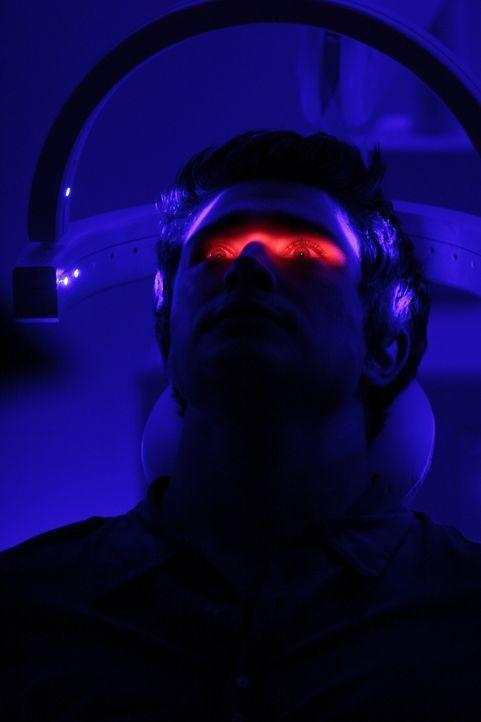 Er kann eine geistige Verbindung mit Jessie aufbauen. Dadurch gelingt es Kyle (Matt Dallas), alle Daten bei Madacorp zu zerstören ... - Bildquelle: TOUCHSTONE TELEVISION