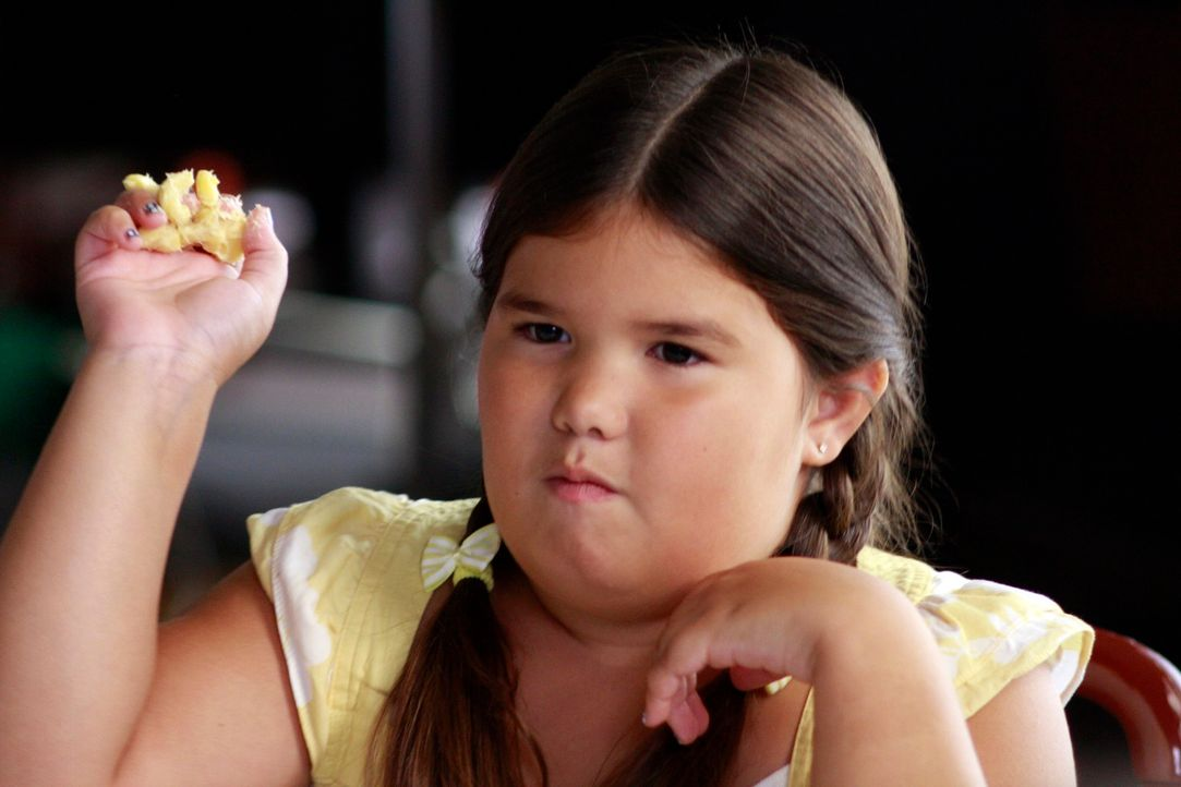 Das Familienessen der Solis endet völlig anderes als geplant: Juanita (Madison De La Garza) ... - Bildquelle: ABC Studios
