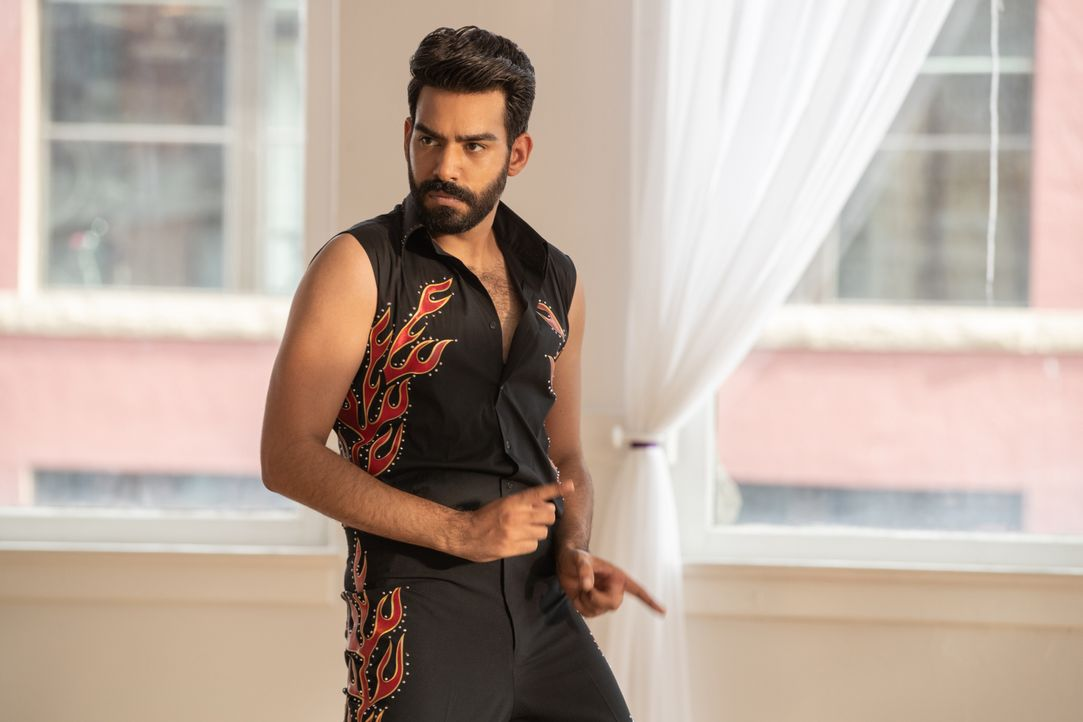 Ravi Chakrabarti (Rahul Kohli) - Bildquelle: Jack Rowand 2019 The CW Network, LLC. All Rights Reserved. / Jack Rowand