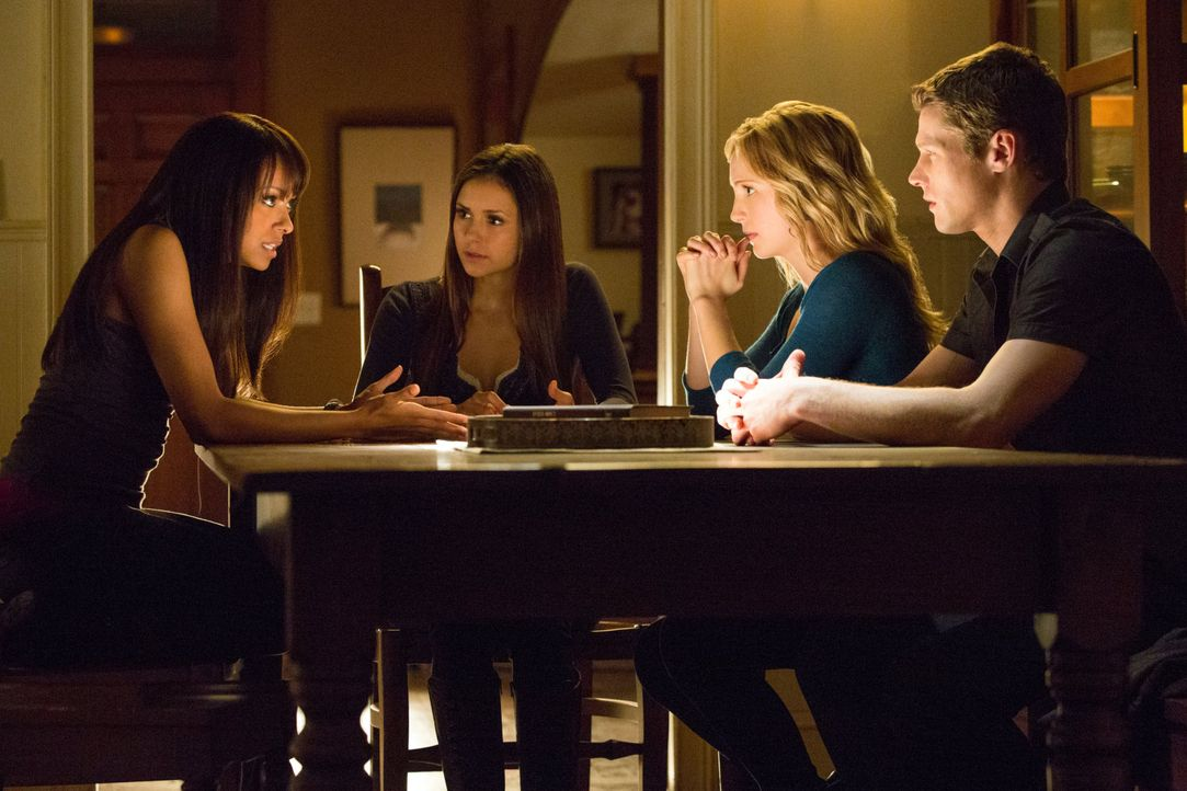 Bonnie, Elena, Caroline und Matt  - Bildquelle: Warner Bros. Entertainment Inc.