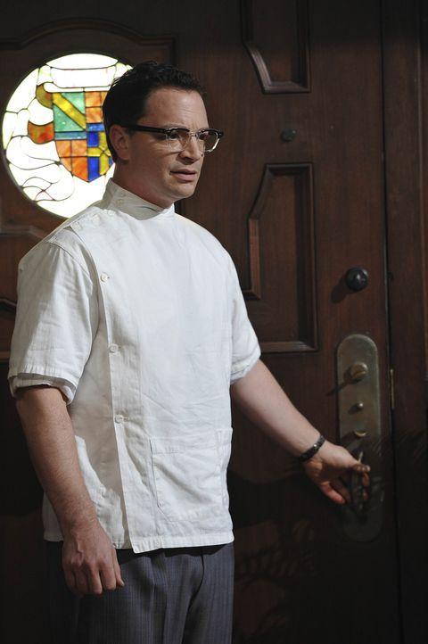 1947: Im späteren Haus der Harmons hat sich der Zahnarzt Dr. Curran (Joshua Malina) niedergelassen ... - Bildquelle: 2011 Twentieth Century Fox Film Corporation. All rights reserved.