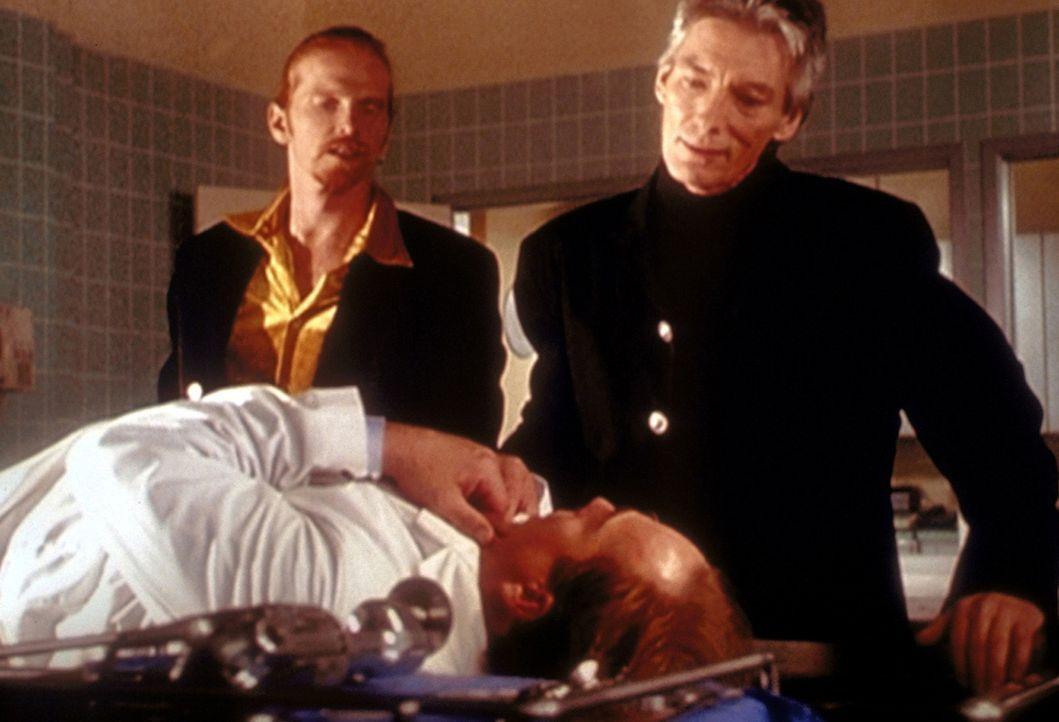 Wird es Barbas (Billy Drago, r.) diesmal schaffen, an einem Freitag, dreizehn Hexen zu töten? - Bildquelle: Paramount Pictures