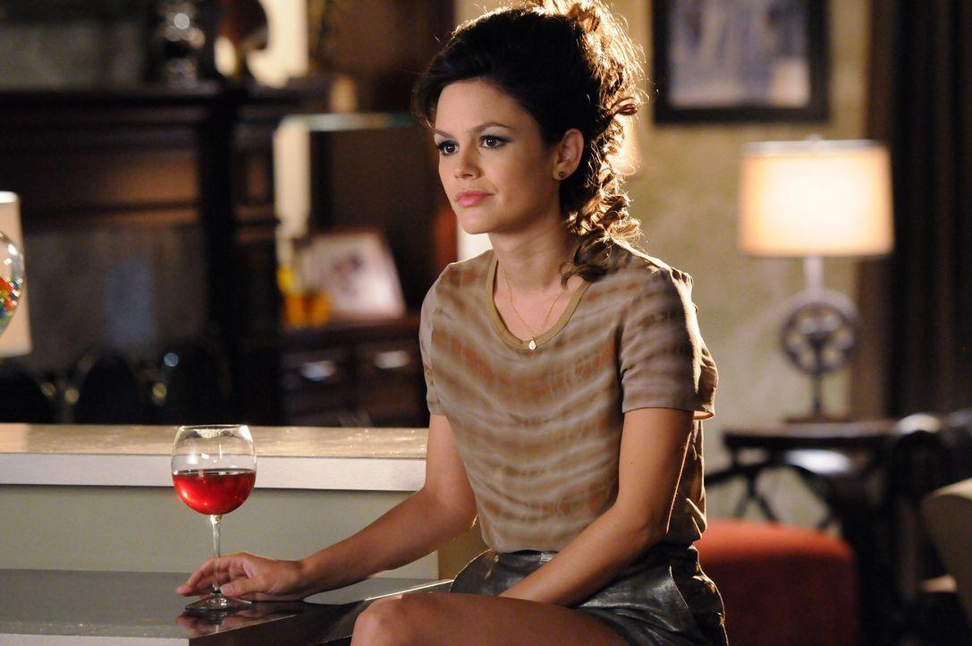 Alle Versuche von Zoe (Rachel Bilson), sich in die Gemeinschaft zu integrieren, scheinen zum Scheitern verurteilt ... - Bildquelle: Warner Bros.