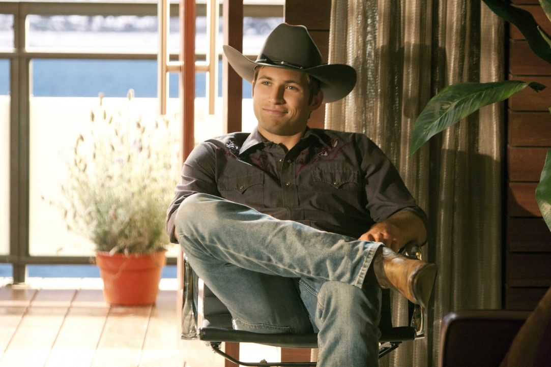 Austin Tallridge (Justin Deeley) eckt mit seiner unverschämten und frechen Art oft an ... - Bildquelle: TM &   2011 CBS Studios Inc. All Rights Reserved.