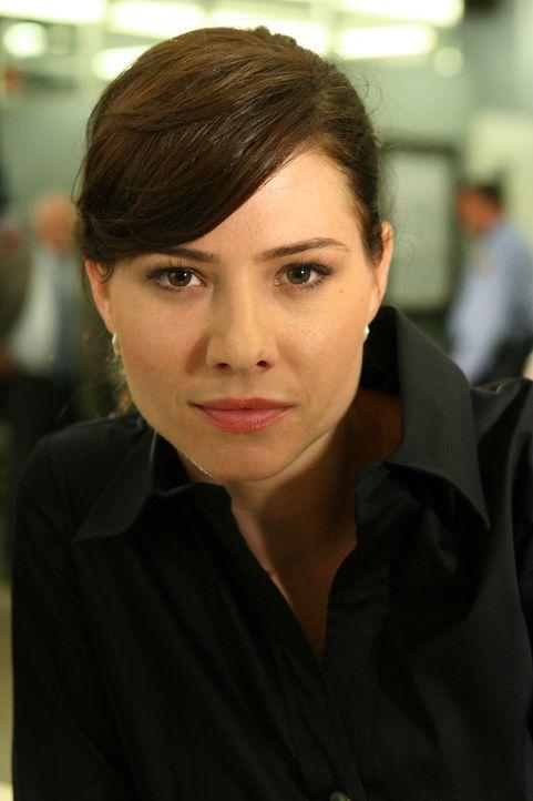 Josie (Sarah Brown) hat viel Spaß an ihrer Arbeit im Mord-Dezernat von Philadelphia. - Bildquelle: Warner Bros. Television