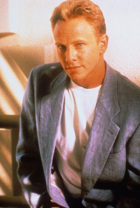 (6. Staffel) - Steve Sanders (Ian Ziering) ist ein ziemlich eingebildeter Schnösel ... - Bildquelle: Paramount Pictures