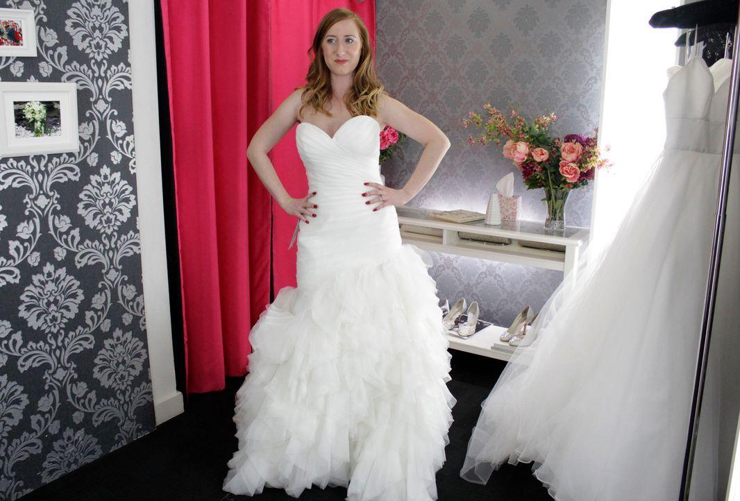 Kacie hat schon genaue Vorstellungen, wie ihr Brautkleid aussehen soll und i... - Bildquelle: Discovery Communications