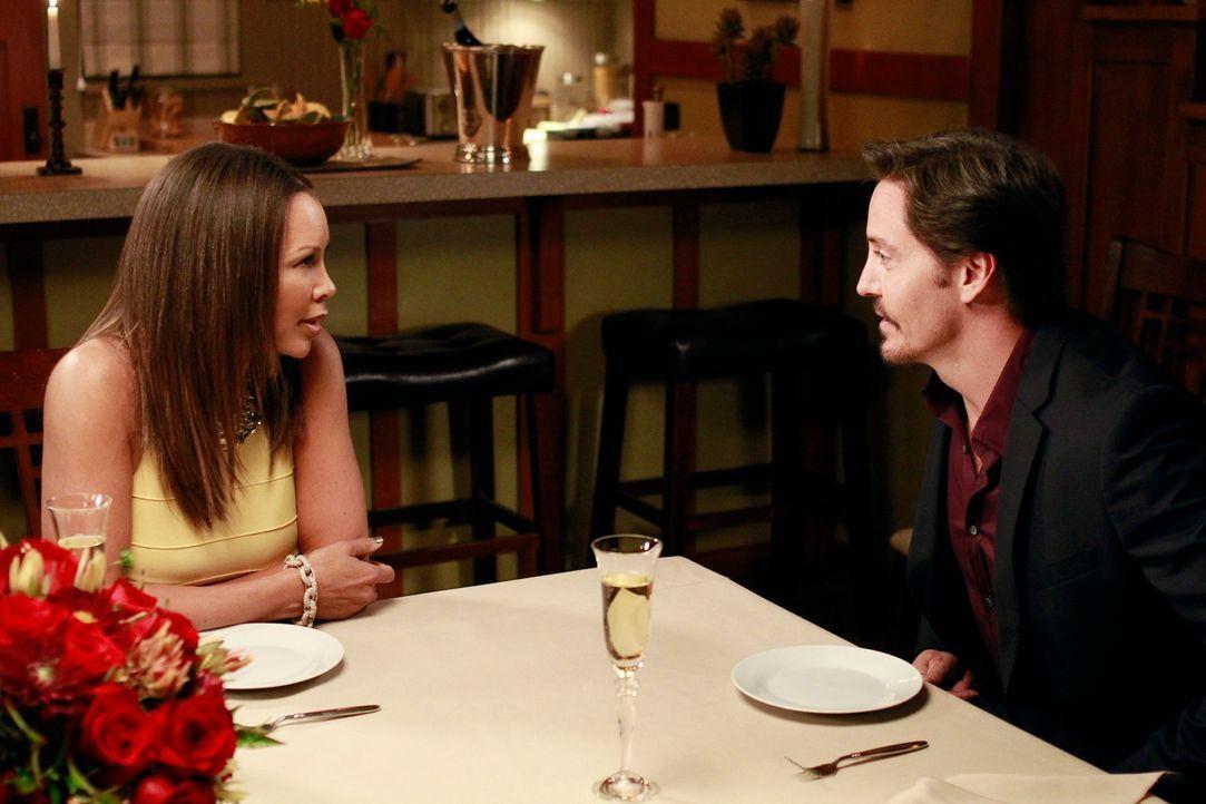 Ein ganz besonderer Abend: Renee (Vanessa Williams, l.) und Ben (Charles Mesure, r.)  ... - Bildquelle: ABC Studios