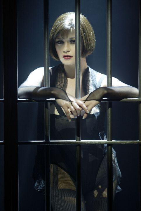 Als der Varieté-Star Velma Kelly (Catherine Zeta-Jones) ihre Schwester und ihren Gatten in flagranti erwischt, befördert sie beide postwendend ins... - Bildquelle: Miramax Films
