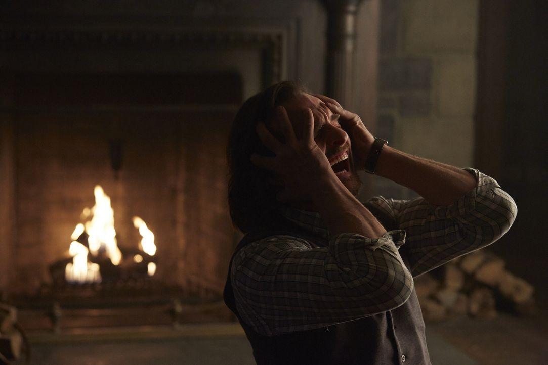 Der Kampf ist auch für Jeremy (Greg Bryk) noch nicht vorbei ... - Bildquelle: 2015 She-Wolf Season 2 Productions Inc.