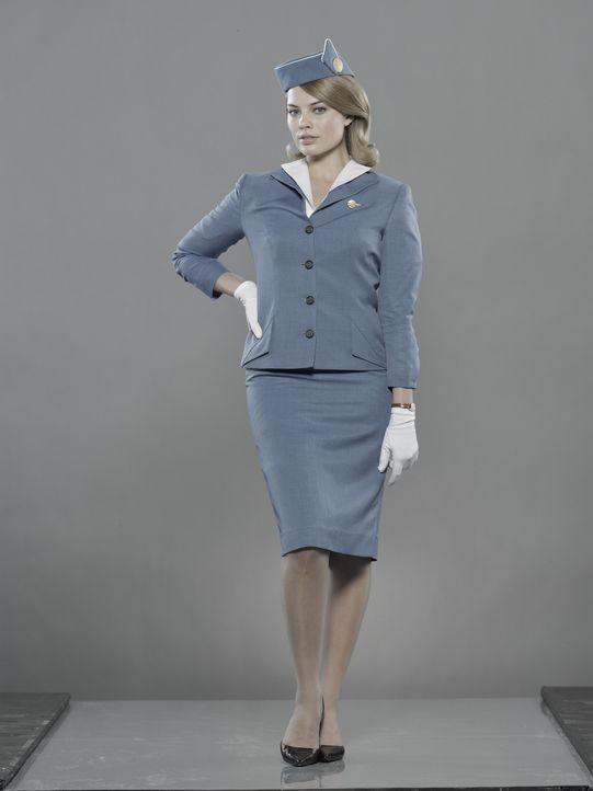 (1.Staffel) - Die glamouröse Schönheitskönigin Laura Cameron (Margot Robbie) erfüllt sich mit dem Job als Stewardess den Traum, die Welt entdeck... - Bildquelle: 2011 Sony Pictures Television Inc.  All Rights Reserved.