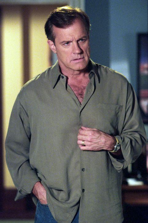 Seine Bypass-Operation ist gut verlaufen und Eric (Stephen Collins) befindet sich auf dem Weg der Besserung ... - Bildquelle: The WB Television Network