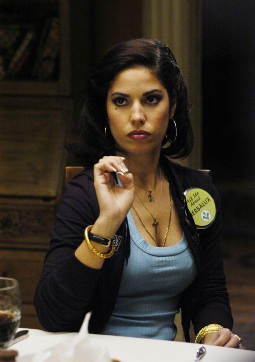 Verdient sich ihr Geld als Herbalux-Beraterin: Hilda (Ana Ortiz) ... - Bildquelle: Buena Vista International Television