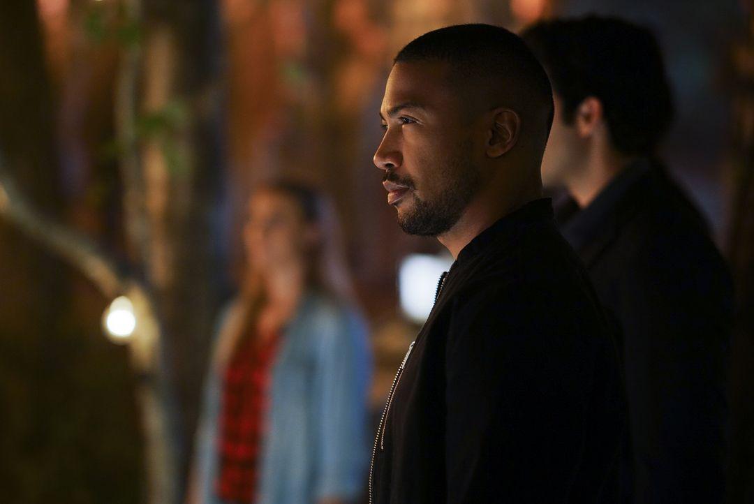 Marcel (Charles Michael Davis) - Bildquelle: Warner Bros.