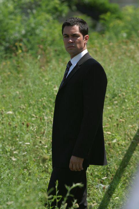 Det. Scott Valens (Danny Pino) auf Spurensuche ... - Bildquelle: Warner Bros. Television