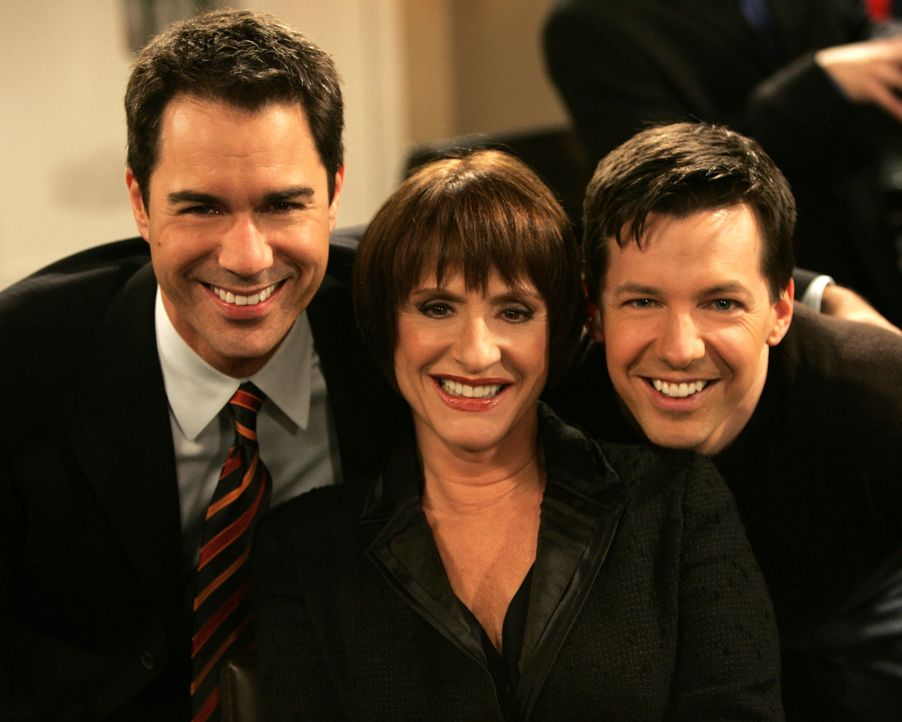 In einem Restaurant treffen Will (Eric McCormack, l.) und Jack (Sean Hayes, r.) auf Patti LuPone (Patti LuPone, M.) ... - Bildquelle: Chris Haston NBC Productions