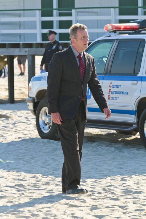 Als er herausfindet, dass sich ein von ihm verhafteter Serienmörder nach 13 Jahren womöglich als unschuldig erweist, sieht er das Ende seiner Karrie... - Bildquelle: CBS Television